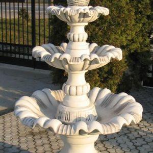 Galambos három szintes szökőkút