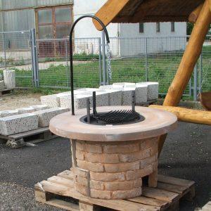 Faszenes kerti grill