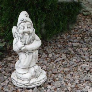 Kerti törpe kalapáccsal kerti dísz