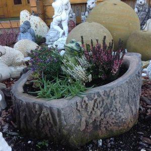 Fa szelet fahatású virágtartó