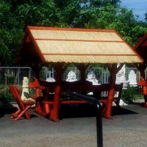 Nádtetős kerti kiülő garnitúra plusz 2 székkel
