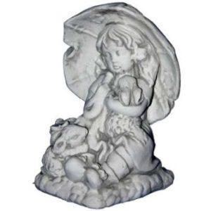 Esernyős lány szobor