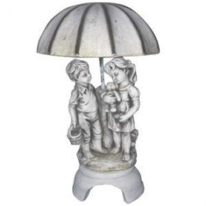Esernyős gyerekek kerti szobor